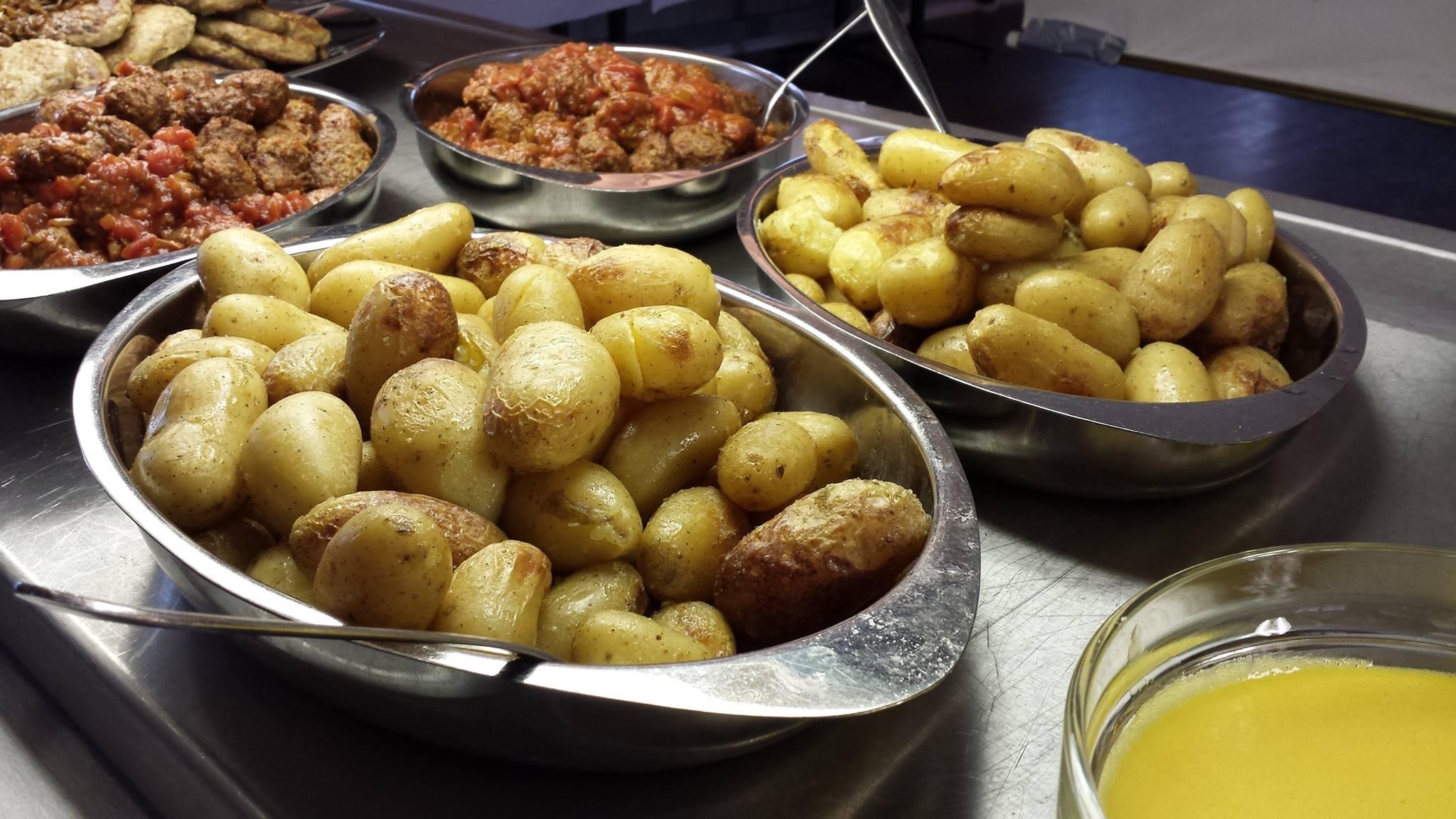 Poteter og kjøttboller